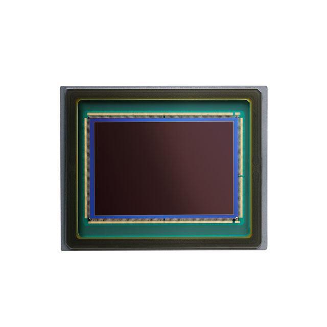 新開発の有効約2410万画素フルサイズ裏面照射積層CMOSセンサー