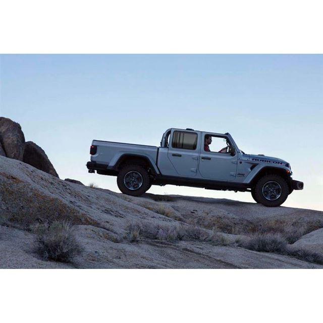 ジープのピックアップトラック「グラディエーター」が2021年冬に上陸