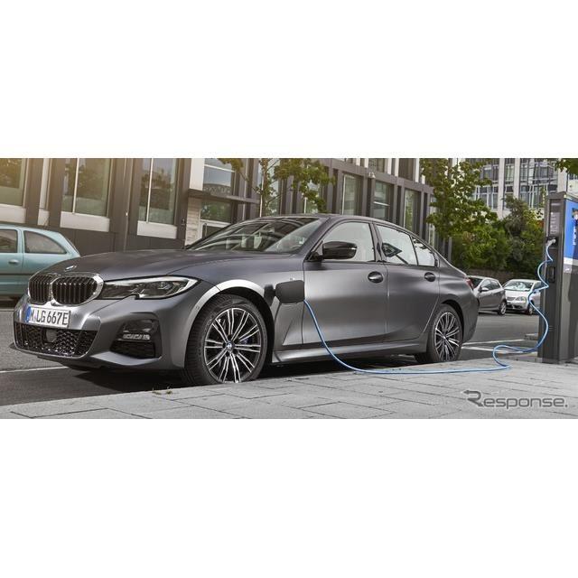 BMW 3シリーズ のPHV、330eセダン