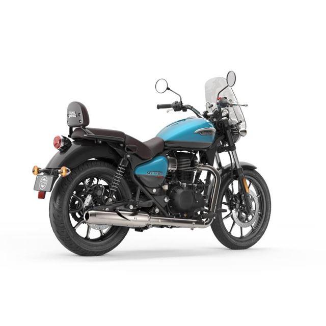 「メテオ350スーパーノヴァ」。写真のブルー×ブラックのほか、ブラウン×ブラックのタンクカラー...