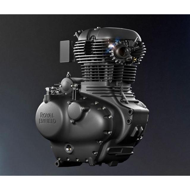 空冷エンジンならではの冷却フィンが目を引く「メテオ350」のパワーユニット。排ガス規制の影響で...