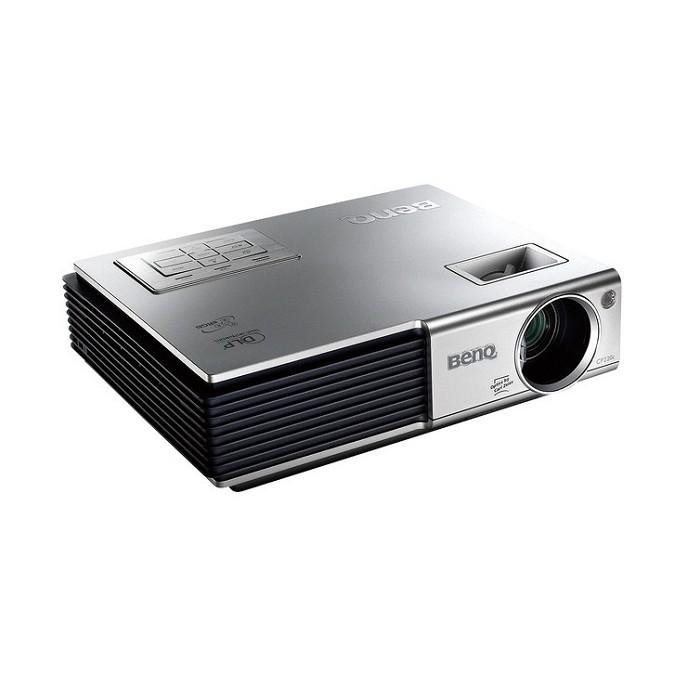 [CP220c] 輝度2000lm/コントラスト比700:1のモバイルDLPプロジェクタ (XGA対応)