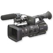 [HVR-Z5J] メモリーレコーディングユニットに対応した光学20倍Gレンズ搭載のHDVビデオカメラ。価格は554,400円(税込)