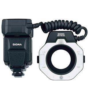 [ELECTRONIC FLASH MACRO EM-140 ソニー用] TTL自動調光機能を搭載したガイドナンバー14のマクロフラッシュ(ソニー用)。本体価格は55,000円