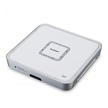 [BDP-105W] 156(幅)×31(高さ)×150(奥行)mmのコンパクトなボディを採用したCPRM対応DVDプレーヤー。市場想定価格は6,000円前後