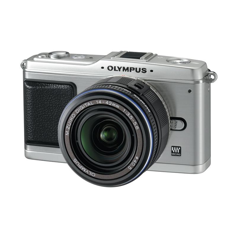 [オリンパス・ペン E-P1] 1230万画素Live MOSセンサー/TruePic V/ボディ内手ブレ補正機構をなどを備えたデジタル一眼カメラ。価格はオープン