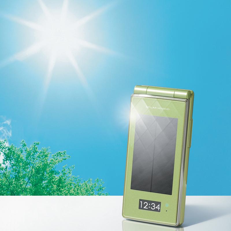 [docomo STYLE series SH-08A] ソーラー充電機能/800万画素CCDカメラ/IPX5・IPX7等級の防水性能などを備えた折りたたみ式防水ワンセグ携帯電話(docomo STYLE series)