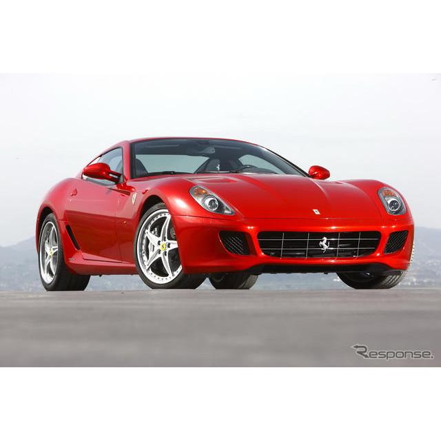 フェラーリのFR駆動の最高峰モデル、『599』。同車の後継モデルが、2012年春にもデビューする公算が高くな...