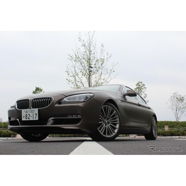 BMW『6シリーズグランクーペ』のインテリアは、BMW ブランド特有のドライバー・オリエンテッドなコックピッ...