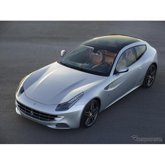 フェラーリ史上、最もパワフル(2011年の発表時点)で機能的、またフェラーリ初の4WDモデルとして登場した...