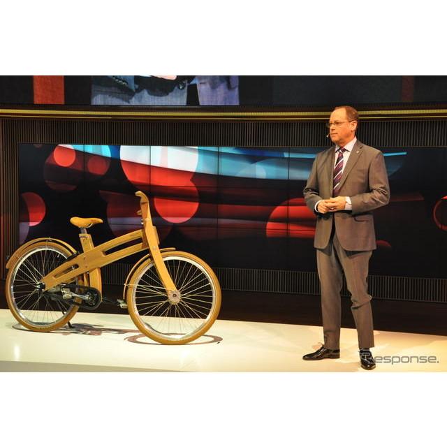 ボルボは5日、ジュネーブモーターショーにおいて世界初の「自転車検知機能付フルオートブレーキ・システム...