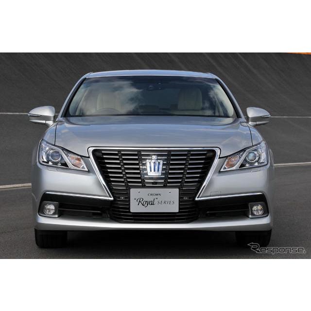 トヨタ自動車のプレステージサルーン『クラウン』。昨年12月に発表された14代目モデルに短時間ながら試乗す...