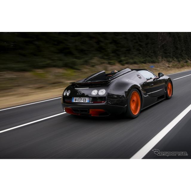 フランスの高級スポーツカーメーカー、ブガッティは4月11日、中国で4月20日に開幕する上海モーターショー13...