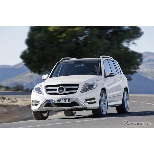 メルセデスベンツの小型SUV、『GLKクラス』。同車に欧州で、初の4気筒ガソリンエンジン搭載車が設定された...