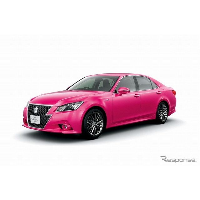 トヨタ自動車は7月26日、『クラウン』の外板色に新開発のピンクを採用した特別仕様車を、9月1日から30日ま...