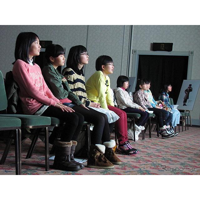 北海道・夕張で開催された「ゆうばり国際ファンタスティック映画祭」で、3月2日、トヨタ『エスティマ』のブ...