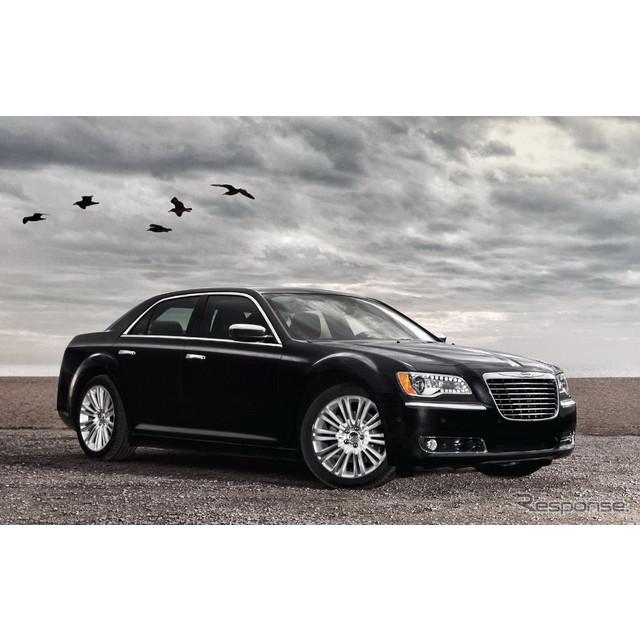 米国の自動車大手、クライスラーグループのクライスラーブランドの上級セダン、『300』/『300C』。同車が今...