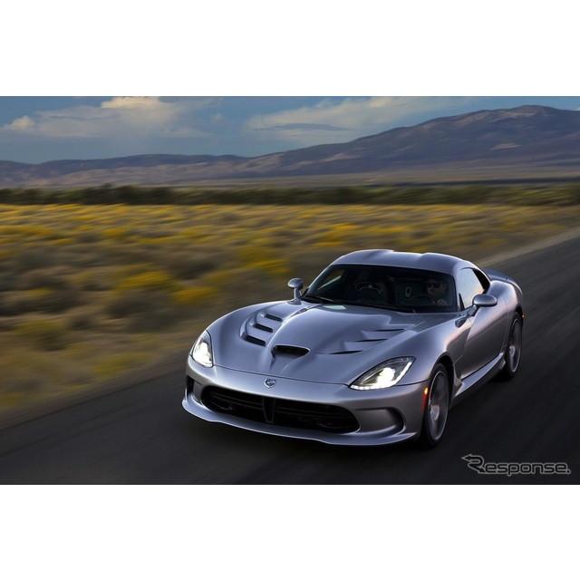 米国の自動車大手、クライスラーグループのダッジブランドは9月2日、2015年モデルのダッジ『バイパー』を米...