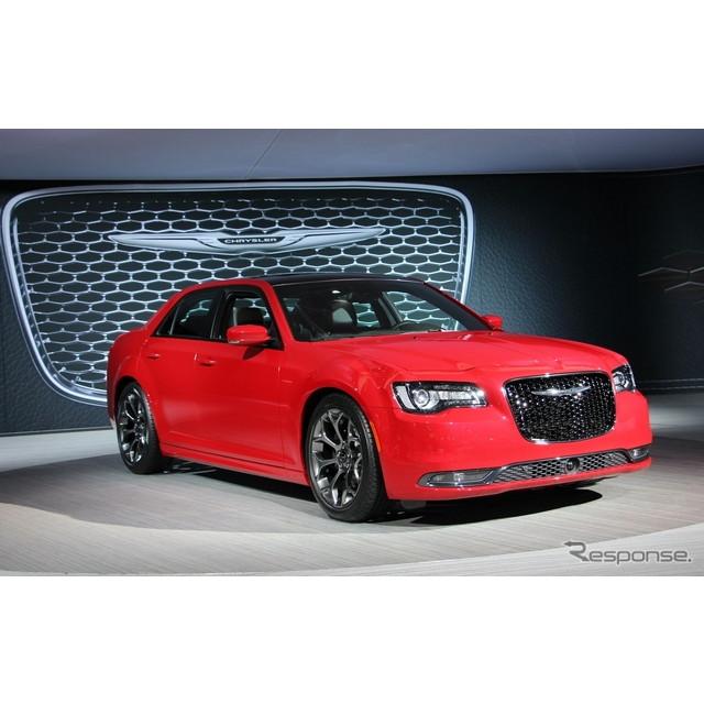 米国の自動車大手、クライスラーグループのクライスラーブランドは11月19日(日本時間11月20日)、米国で開...