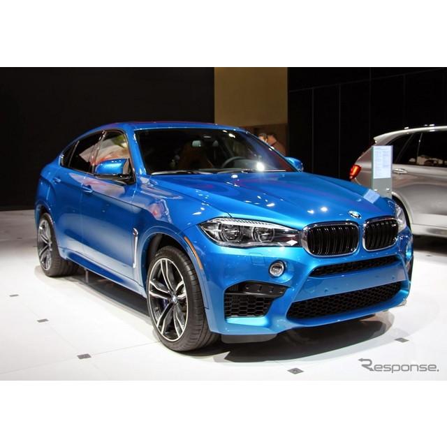 11月18日、米国で開幕したロサンゼルスモーターショー14。ドイツの高級車メーカー、BMWのブースの主役は、...