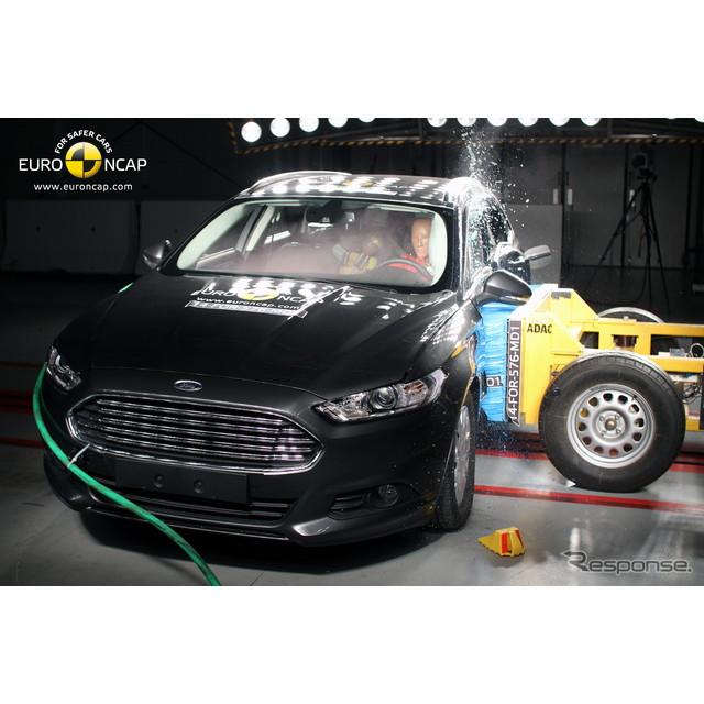 欧州で唯一の公的衝突テストを行うユーロNCAPコンソーシアムは12月3日、新型フォード『モンデオ』の衝突安...