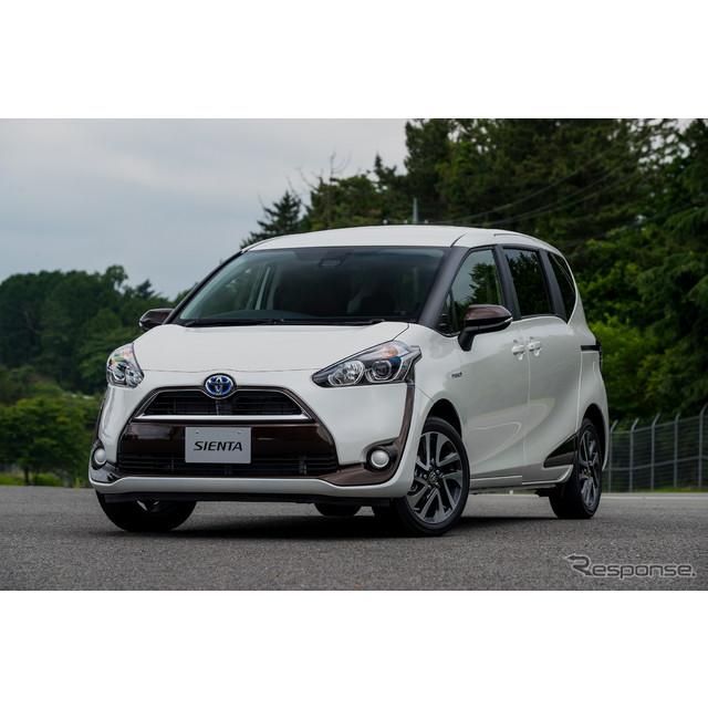トヨタ自動車が7月9日に発表した新型『シエンタ』には新たにハイブリッドモデルが設定された。燃費性能は27...