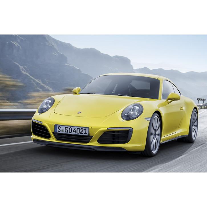 ポルシェ ジャパンは2015年10月8日、新エンジンを搭載した「911」の4WDモデル「カレラ4」「カレラ4カブリオ...