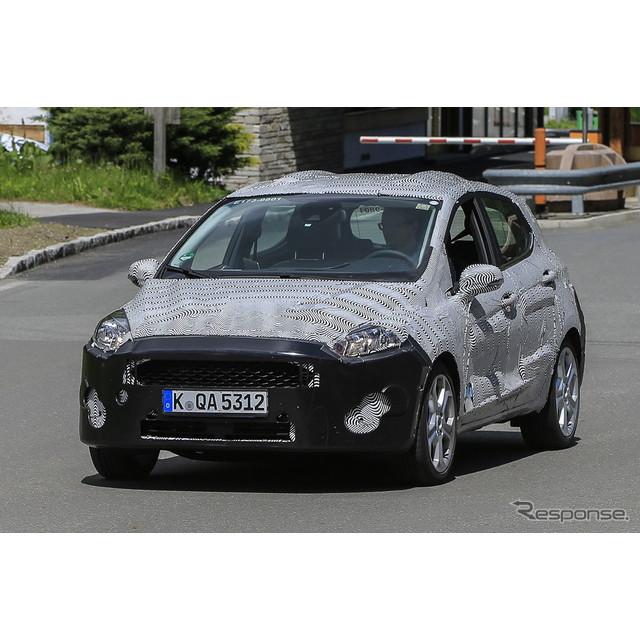 フォードのサブコンパクトモデル『フィエスタ』次期型のプロトタイプを初スクープ。昨年までは現行モデルの...