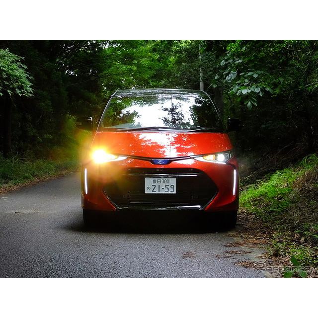 トヨタの天才タマゴ、『エスティマ』がマイナーチェンジし、その発売から1か月が経った。「8000台ちかくを...
