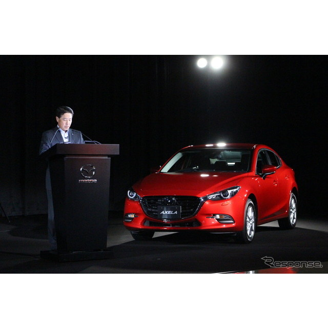 マツダは7月14日に『アクセラ』を大幅改良して発売した。エンジンのトルク制御で運動性能を高める新技術を...