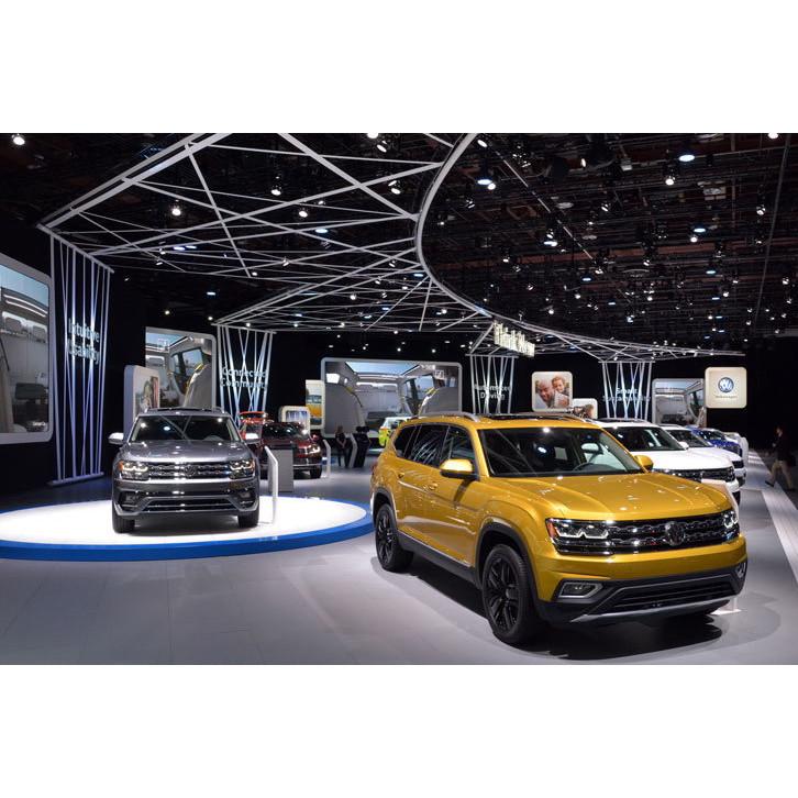 デトロイトショーにおけるフォルクスワーゲンブースの様子。写真手前が新型SUVの「アトラス」。