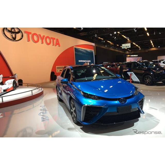 トヨタ自動車は1月20日、カナダに3台の『MIRAI』(ミライ)を試験導入し、燃料電池自動車(FCV)への理解促...