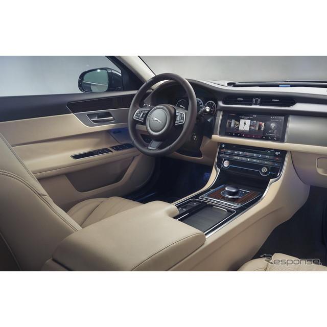 英国の高級車メーカー、ジャガーカーズは6月17日、新型『XFスポーツブレーク』に最新のコネクティビティを...