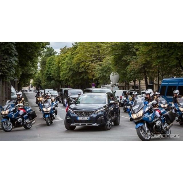 プジョーは7月14日、フランス革命記念日におけるマクロン大統領のパレードカーに、新型プジョー『5008』が...