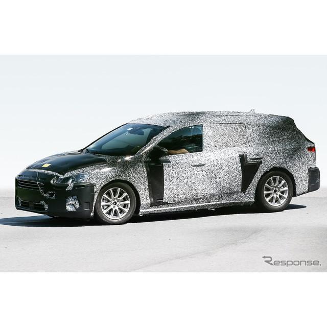 欧州で人気の高い、フォード『フォーカス ワゴン』次期型プロトタイプをスクープした。  大刷新される次...