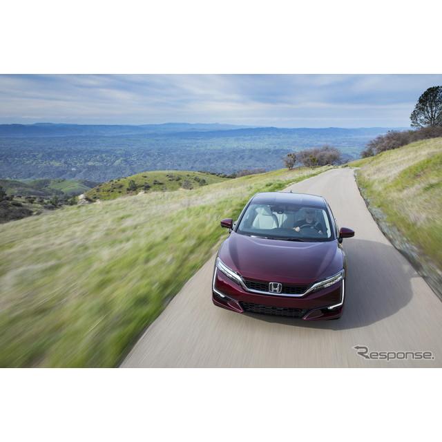 シェルは、ホンダ、トヨタ自動車の協力を受けて燃料電池車(FCV)の普及に向け、米国カリフォルニア州北部...