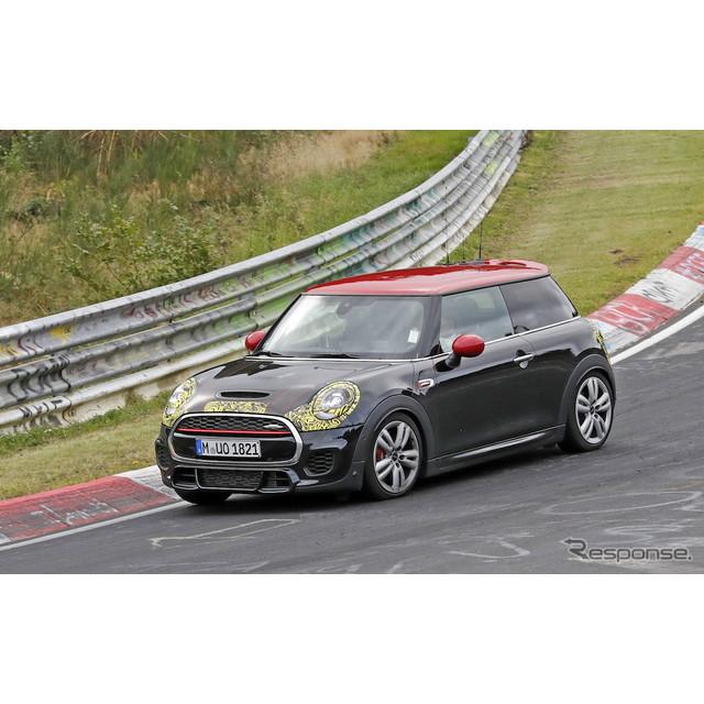 MINIクーパーのハイパフォーマンスモデルである、『JCW』(ジョン・クーパー・ワークス)改良新型がドイツ...