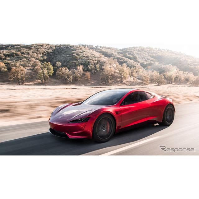 米国のEVメーカー、テスラが11月16日、米国で発表した新型テスラ『ロードスター』。同車が将来、空飛ぶ車に...