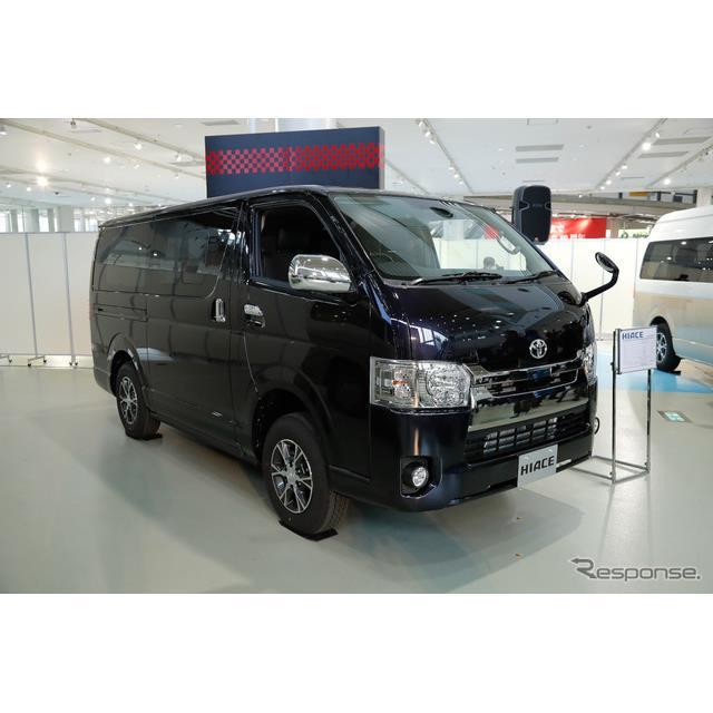 トヨタ自動車は『ハイエース』、『レジアスエース』を一部改良し12月1日に発売する。11月22日に報道陣に公...