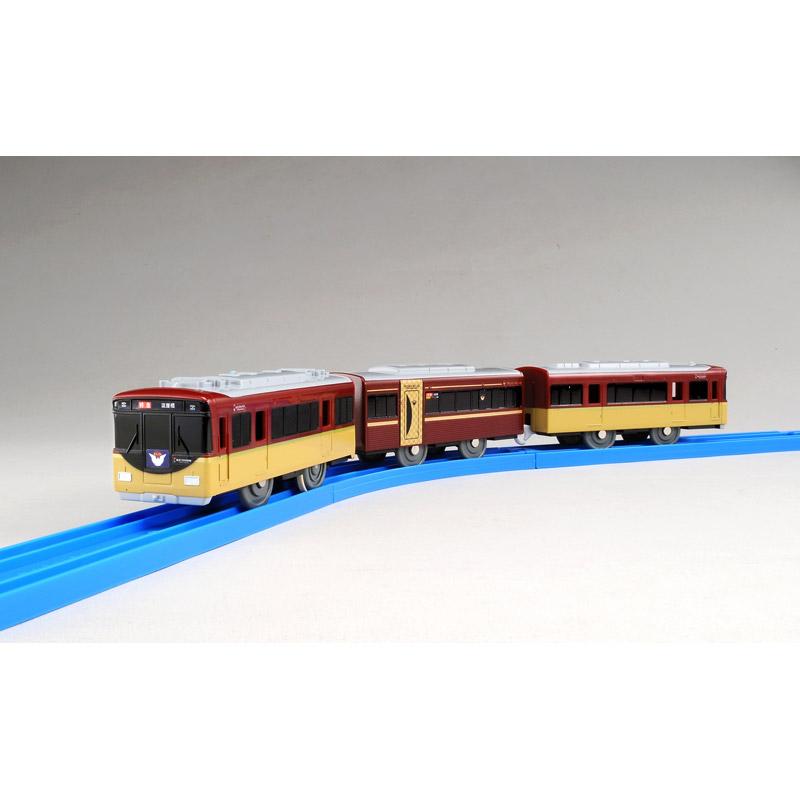 「京阪電車8000系プレミアムカー」