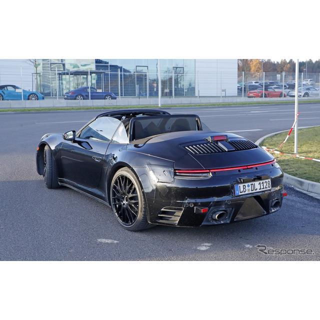 ポルシェ『911』次世代型のオープンモデルとなる、『911カブリオレ』がついにルーフをオープンにした状態で...