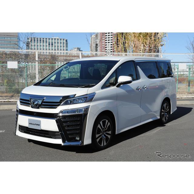 トヨタ自動車は、高級ミニバン『ヴェルファイア』と『アルファード』をマイナーチェンジし、2018年1月8日に...