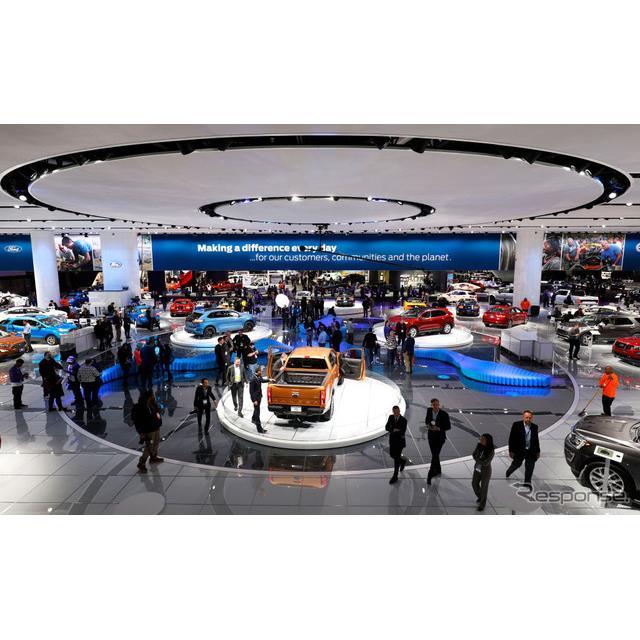フォードモーターは1月15日、米国で開幕したデトロイトモーターショー2018において、2019年に新型『シェル...