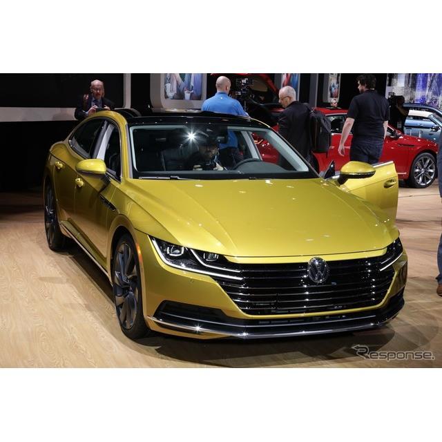 フォルクスワーゲンは、米国で開催中のシカゴモーターショー2018において、『アルテオン』の2019年モデルを...