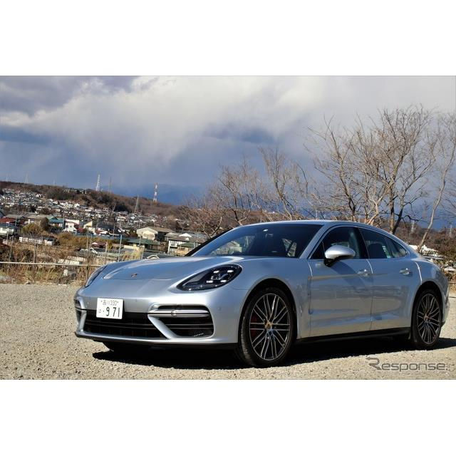 第2世代に進化したポルシェ『パナメーラ』は、スポーツカーとラグジュアリーサルーンを融合させた1台である...
