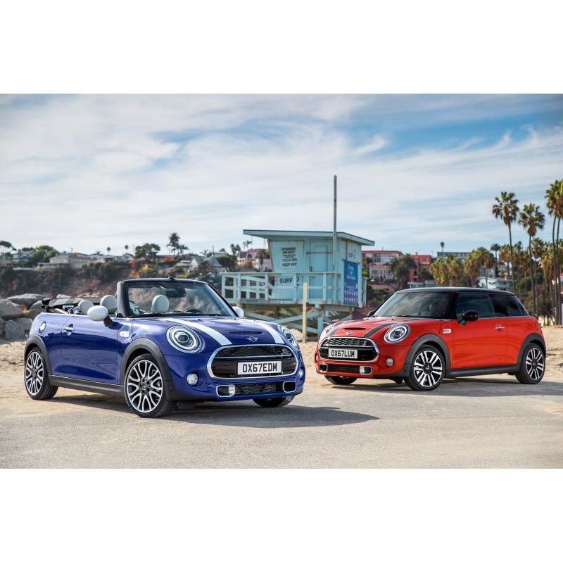 BMWジャパンは2018年5月16日、マイナーチェンジした「MINI 3ドア」「MINI 5ドア」「MINIコンバーチブル」の...