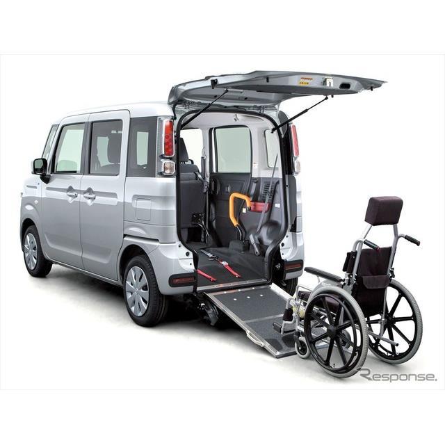 マツダは、軽自動車『フレアワゴン』をベースにした、車いす移動車を全面改良し、5月21日より販売を開始し...
