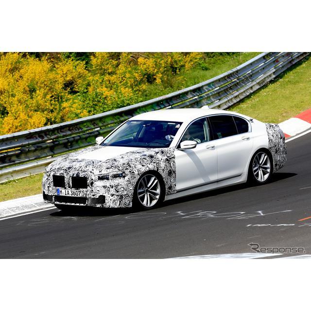 BMWの旗艦セダン『7シリーズ』次期型プロトタイプが、ニュルブルクリンク北コースで初の高速テストを開始し...