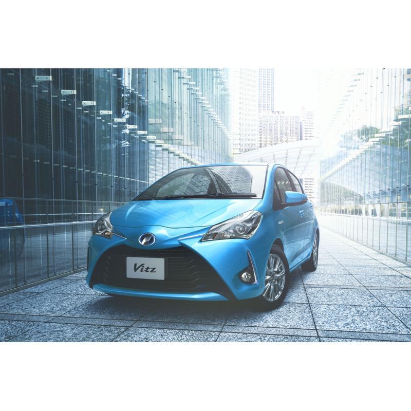 """トヨタ自動車は2018年5月31日、コンパクトカー「ヴィッツ」を一部改良するとともに、特別仕様車「F""""セーフ..."""