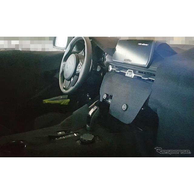 トヨタ スープラ 新型 コックピットのスクープ写真